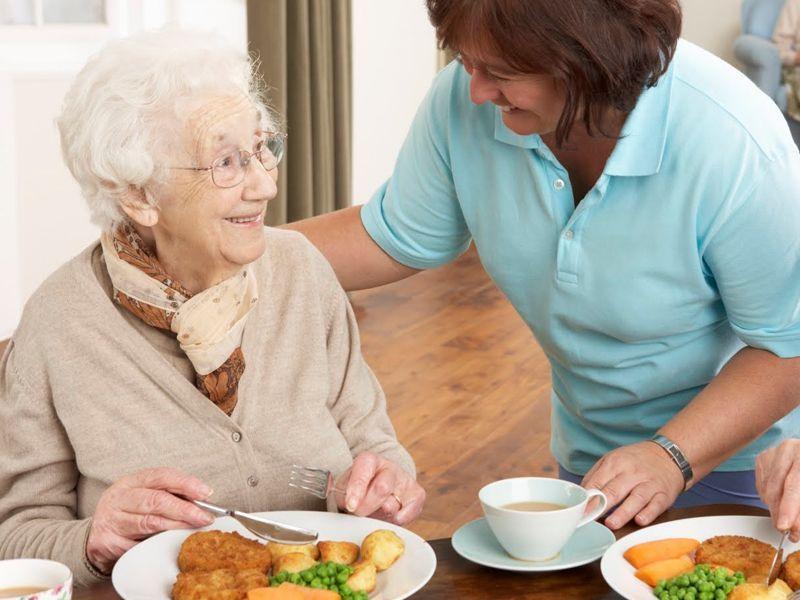 Por-qué-es-importante-cuidar-la-alimentación-en-el-anciano ¿Por qué es importante cuidar la alimentación en el anciano?